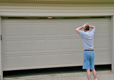 When You Should Repair Your Garage Door